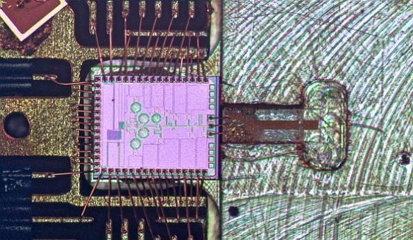 Molecular clock chip promises improved smartphone navigation