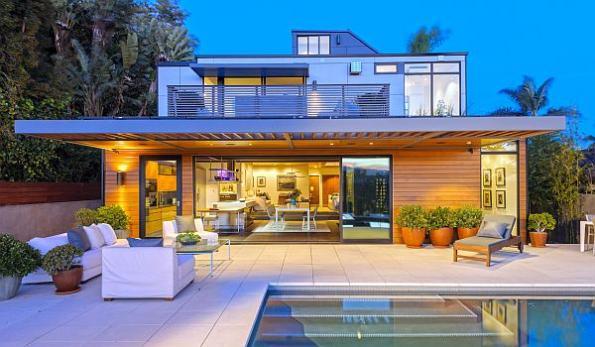 Amazon's Alexa Fund bets on prefab homebuilder