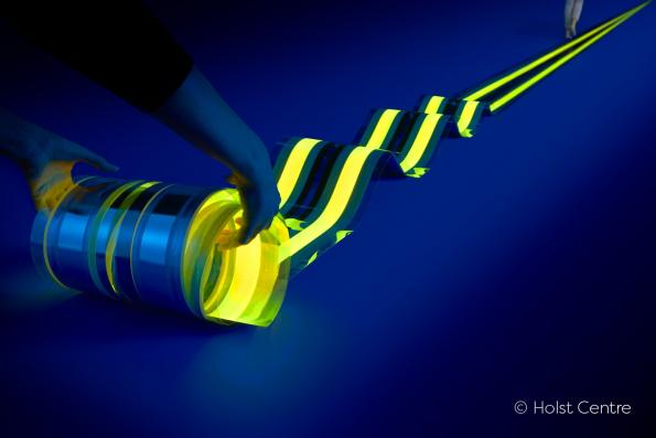 Holst Centre and Fraunhofer FEP unroll the world's longest OLED