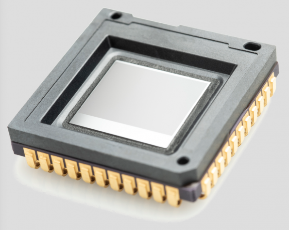60Hz VGA thermal image sensor is only 16.5x16.5mm