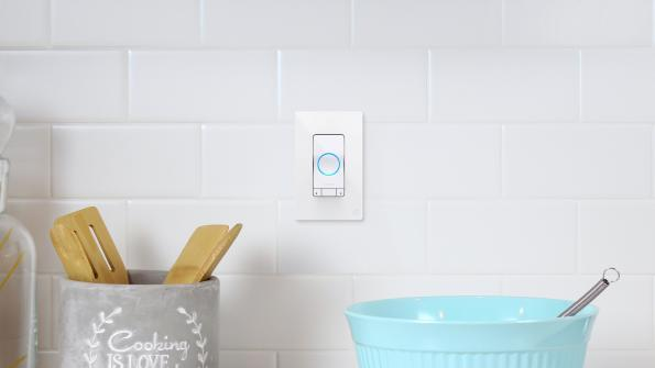 Smart light switch integrates Alexa