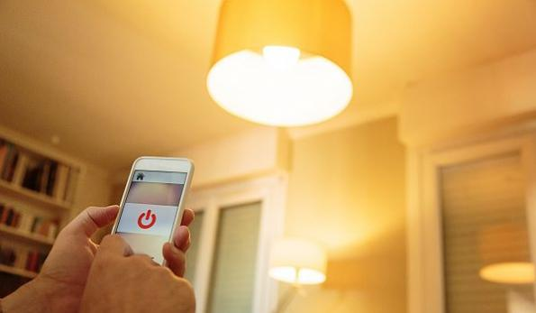 IR-enabled smart light bulbs expose consumers to hackers, says study