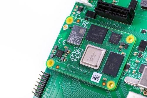 Raspberry Pi 4 Compute simplifies power pinout
