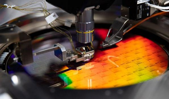 Photonic quantum computing startup aims for 1M-qubit system