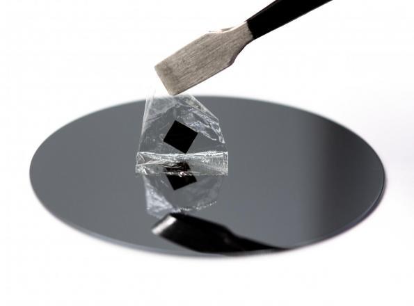 Single crystal perovskite for solar panels