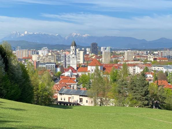 Telekom Slovenije and Ericsson roll out the first 5G commercial network in Slovenia in one week by software upgrade