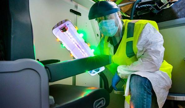 Boeing UV wand sanitizes airplane interiors
