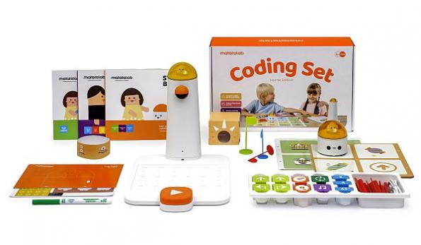 STEM coding robot kit available in home edition