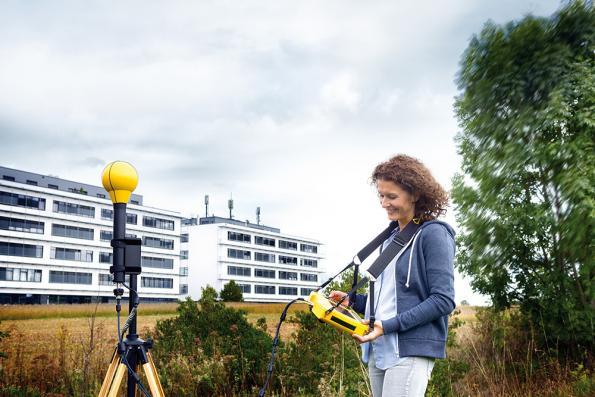 SRM-3006 selective radiation meter adds 5G NR EMF measurements