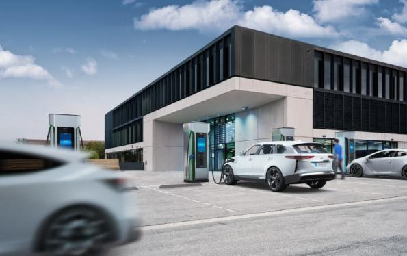 300kW DC fast charger has 96 percent efficiency