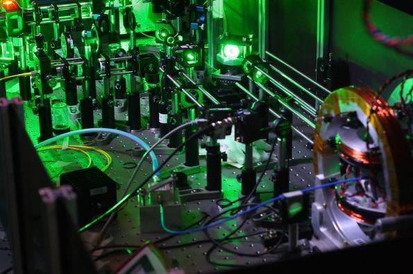 Autonomous machine learning boost for quantumsensors
