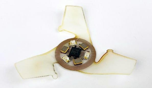 Winged microchip borrows aerodynamic properties of biological seeds
