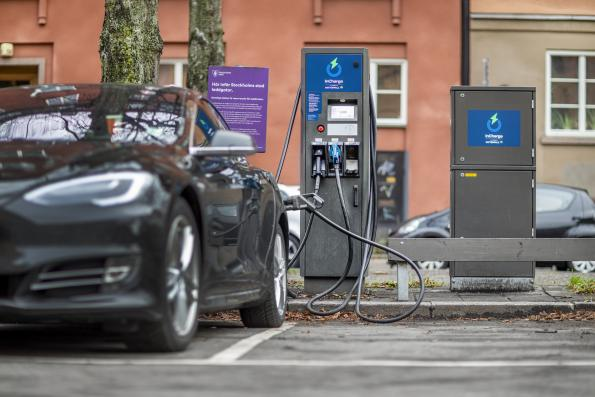 ABB is providing Vattenfall with fast charger technology to connect electric vehicles (EV) with the power grid across Sweden