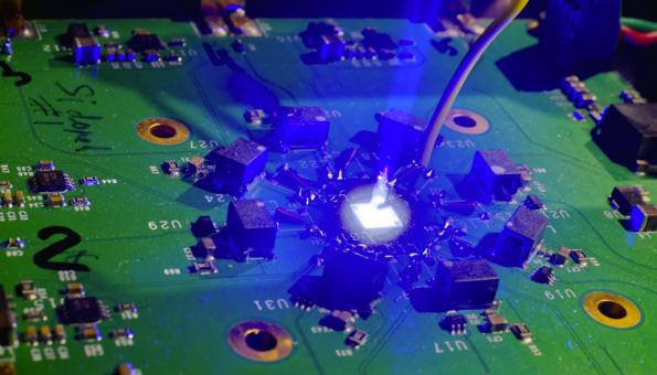 MicroLEDs for long range terabit optical chip interconnect