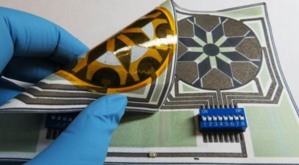 Researchers develop flexible paper biobatteries triggered by spit