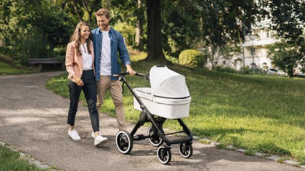 Bosch's 18V, twin motor 'e-stroller' uses an app to adjust speed and braking