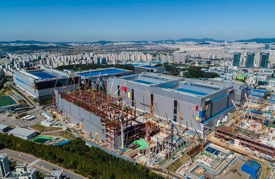 Lithographie : Samsung Electronics lance la production en 7 nm