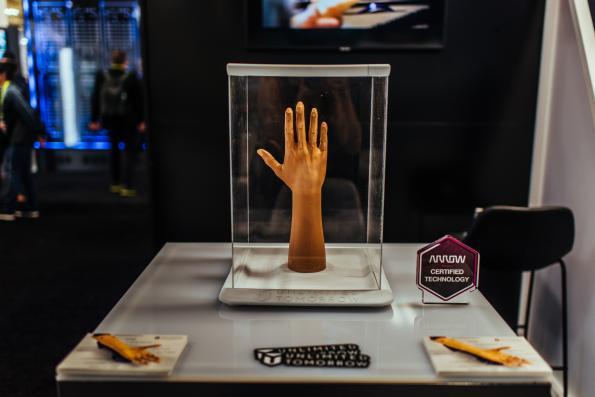 Arrow Electronics et Unlimited Tomorrow dévoilent un bras prothétique imprimé en 3D