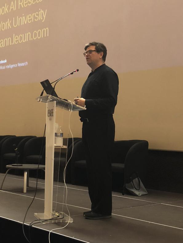 Yann LeCun, lauréat du Prix Turing, « le Prix Nobel de l'informatique »