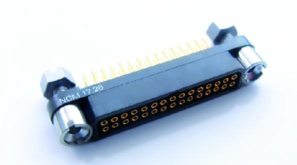 Connecteur MIL 83513 avec fixations captives pour circuits imprimés épais et câbles AWG24