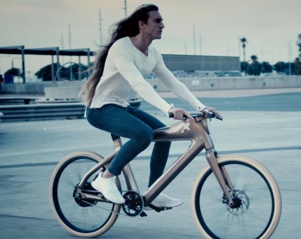 Le vélo du futur à reconnaissance faciale
