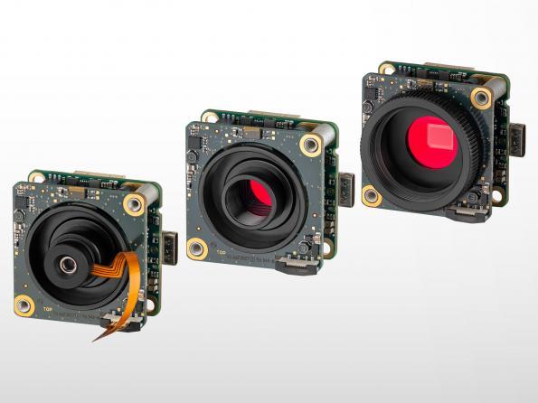 Caméras-carte avec mise au point automatique