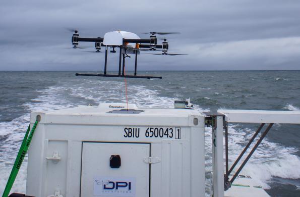 Dragonfly Pictures invente une nouvelle classe de drones multirotor