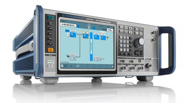 Générateur de signaux de milieu de gamme en couvrant les fréquences 5G et Wi-Fi 6E