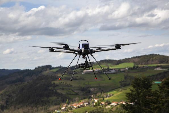 Solutions de connectivité durcies et miniatures pour drone Tundra d'Hexadrone