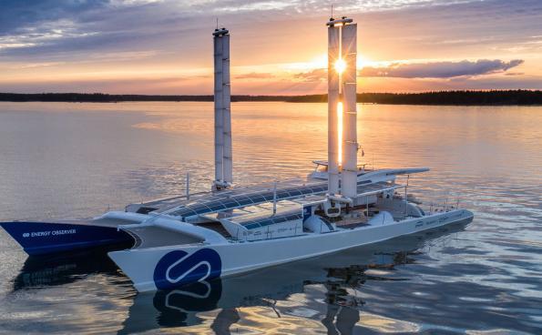 Le catamaran électrique Energy Observer commence un voyage de six ans