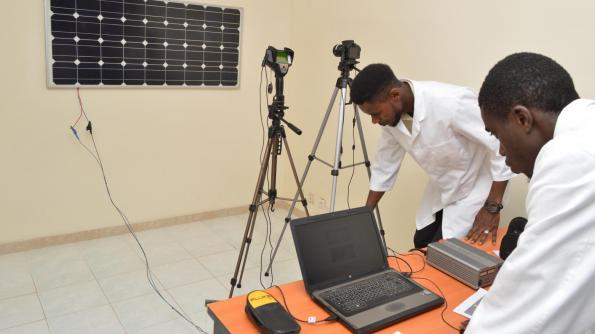 Researchers from Swiss lab EPFL have set up a research centre in Senegal to test solar panels and their underlying components.