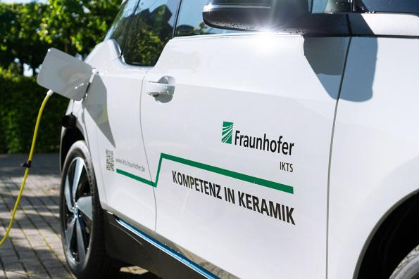 The Astrabat project brings together 14 companies and institutions including Fraunhofer IKTS to develop commercial solid state battery technology for electric vehicles