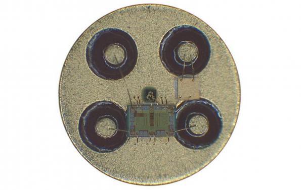 Highest sensitivity CMOS TIA for optical networks