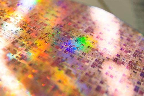 28Siisotope: a building block for CMOS-compatible quantum processors?