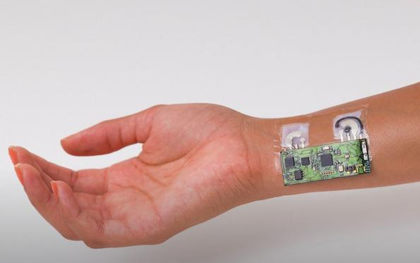 Skin patch wirelessly logs blood alcohol levels