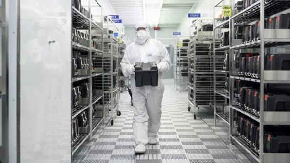 NXP moves to uncancellable chip contracts