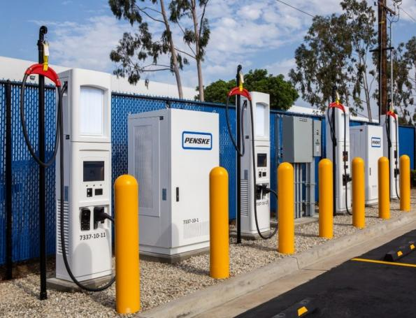 Commercial e-truck fast charging stations open in CA