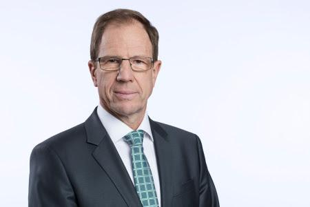 Infineon cuts investment after poor quarter