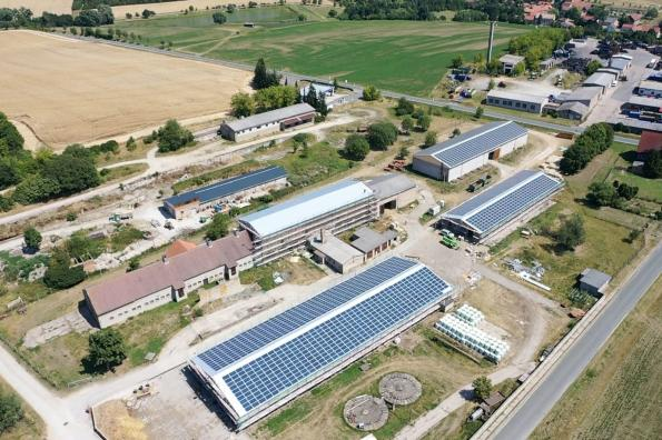 A 2MW photovoltaic solar system in Germany is using a string of 32 inverters from Delta Electronics in a power-sharing scheme
