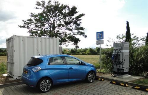 Des batteries seconde vie pour recharger les véhicules électriques sur l'autoroute