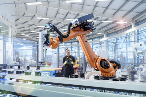 Improving uptime in industrial robotic systems