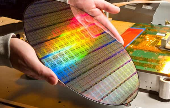 Samsung early with 7nm process, says report
