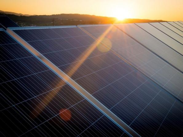 SEAT uses drone to monitor huge solar farm