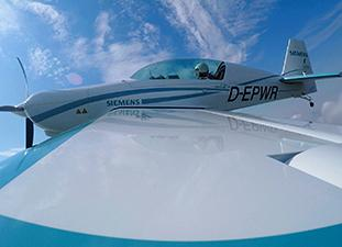 Siemens sells electric aircraft propulsion business to Rolls-Royce