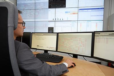 Dynamic power grid control centre is world first