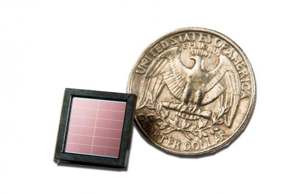 Solar energy harvester IC that operates with indoor lighting in distribution