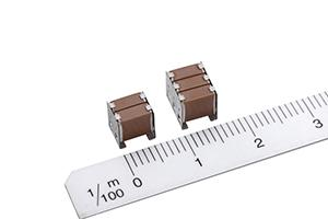 Stacked ceramic capacitor with low ESR