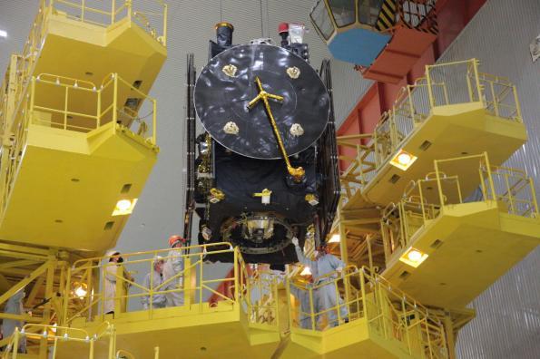 Charges utiles Thales Alenia pour les satellites de communication Russes Express 80 et 103.