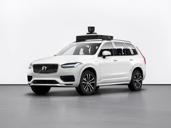 Volvo et Uber présentent un véhicule de série prêt pour la conduite autonome