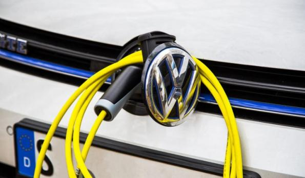 Volkswagen bets $100m on solid state batteries